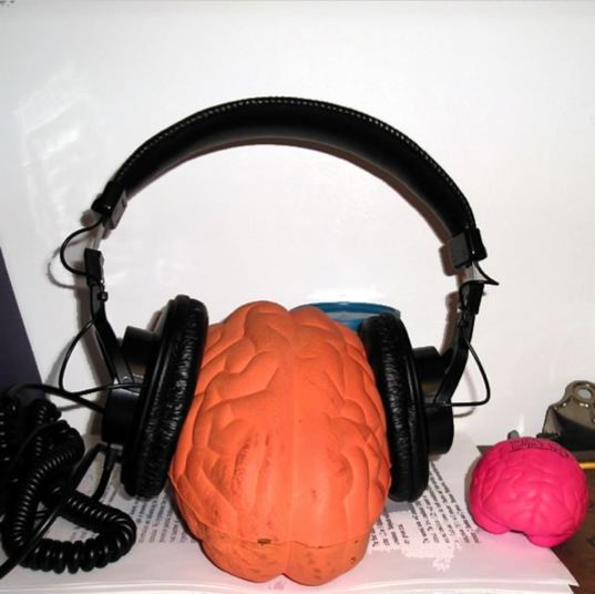 brain_headphones.jpg